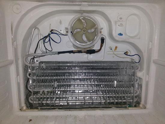 Холодильник постоянно работает и не отключается - все причины неисправности