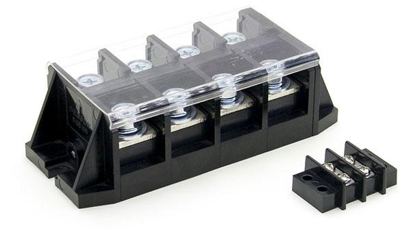 Клеммная колодка для соединения проводов.