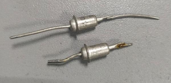Внешний вид стабилитрона в металлическом корпусе.