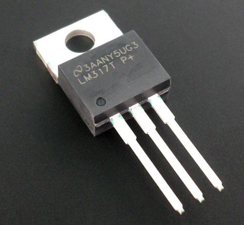 Внешний вид микросхемы LM317T.